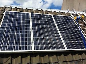 zonnepanelen vorden geplaatst