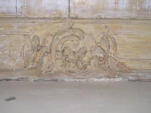 detail  houtsnijwerk schoorsteenmantel