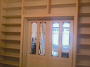 nieuwe kastenwand met schuifdeuren